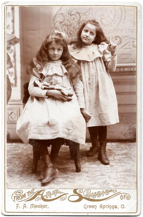 bFREY sisters